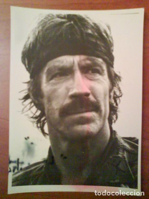 FOTOGRAFÍA CHUCK NORRIS - DESAPARECIDO EN COMBATE (Cine - Fotos y Postales de Actores y Actrices)