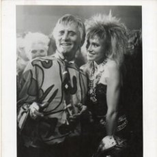 Cine: FOTOGRAFIA ORIGINAL TOUGH GUYS KIRK DOUGLAS DARLANNE FLUEGEL CHRISTINE LOSS 1986. Lote 205721260