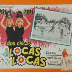 Cine: DOS CHICAS LOCAS, LOCAS - PILI Y MILI - AÑO 1964 - LOBBY CARD ... L1229. Lote 207074066
