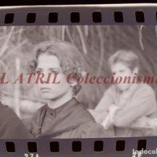 Cine: RODAJE DE LA SERIE LA BARRACA, 6 CLICHES NEGATIVOS 35 MM EN CELULOIDE AÑO 1979. Lote 212054556