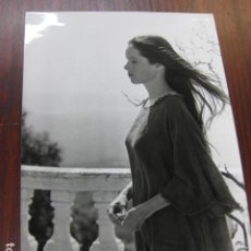 Cine: ANA Y LOS LOBOS - FOTO ORIGINAL B/N - GERALDINE CHAPLIN CARLOS SAURA. Lote 218689462