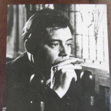 Cine: THE SERVANT EL SIRVIENTE - FOTO ORIGINAL B/N - DIRK BOGARDE SMOKING. Lote 221412707