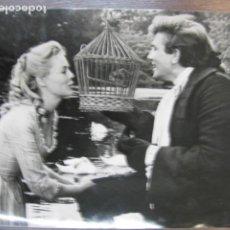 Cine: TOM JONES - FOTO ORIGINAL B/N - FILM SCENE TONY RICHARDSON FILM ALBERT FINNEY SUSANNAH YORK. Lote 222122033
