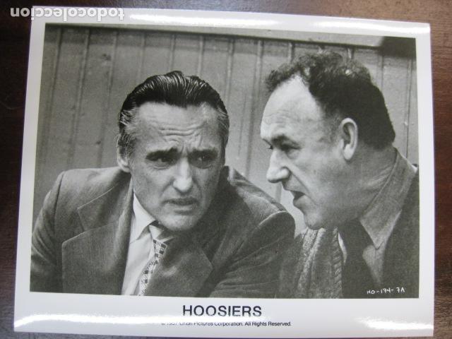 GENE HACKMAN - FOTO ORIGINAL B/N - HOOSIERS DENNIS HOPPER BALONCESTO (Cine - Fotos, Fotocromos y Postales de Películas)