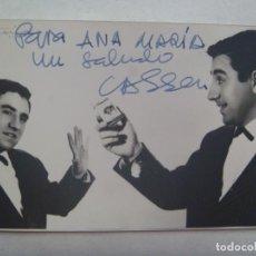 Cine: FOTO ORIGINAL DEL ACTOR CASSEN CON PAQUETE TABACO BISONTE, DEDICADA Y FIRMADA. DE ANTONIO, ZARAGOZA. Lote 231549810