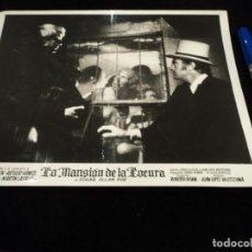 Cine: 2 FOTOS B/N ORIGINAL FILM LA MANSION DE LA LOCURA- FOTO ORIGINAL B/N - 26 X 20 CM. Lote 237438555
