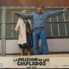 Cine: LA PRISIÓN DE LOS CHIFLADOS (DOIN' TIME), 1985 - 10 FOTOCROMOS - LOBBY CARDS - MOVIE. Lote 239472425