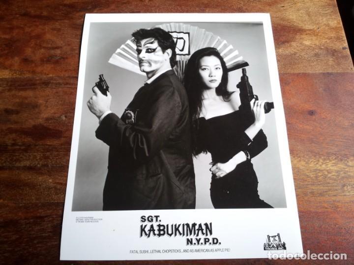 SGT. KABUKIMAN N.Y.P.D. - RICK GIANASI, SUSAN BYUN - FOTO ORIGINAL B/N TROMA INC. 1991 (Cine - Fotos y Postales de Actores y Actrices)