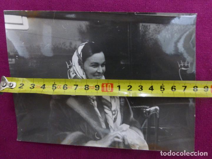 Cine: ANTIGUA FOTO FOTOGRAFÍA ORIGINAL DE PRENSA EUROPA PRESS-ACTRIZ LUCÍA BOSÉ-ORIGINAL 1963 - Foto 3 - 243269855