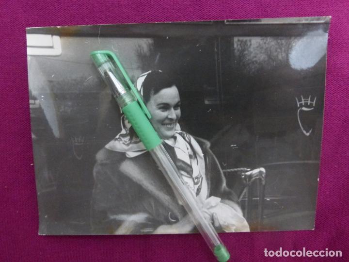 ANTIGUA FOTO FOTOGRAFÍA ORIGINAL DE PRENSA EUROPA PRESS-ACTRIZ LUCÍA BOSÉ-ORIGINAL 1963 (Cine - Fotos y Postales de Actores y Actrices)