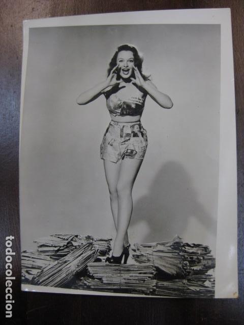 HOLLYWOOD FILM ACTRESS - FOTO ORIGINAL B/N - UNIVERSAL INTERNATIONAL PICTURES (Cine - Fotos, Fotocromos y Postales de Películas)