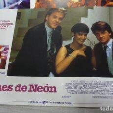 Cine: 12 FOTOGRAMAS DE NOCHES DE NEÓN. Lote 251598200