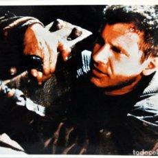 Cine: BLADE RUNNER RICK DECKARD , FOTOGRAFIA ESCENA DE LA PELÍCULA 1982 , 20 X 25.8 CMS. Lote 262078715