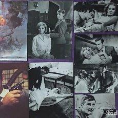 Cine: JAMES BOND COLECCIÓN 9 FOTOS ORIGINALES PRENSA ROGER MOORE SEAN CONNERY DANIELA BIANCHI LOTTE LENYA. Lote 262859650