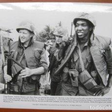 Cine: THE BOYS OF THE COMPANY C - FOTO ORIGINAL B/N - CRAIG WASSON ANDREW STEVENS STAN SHAW VIETNAM WAR. Lote 270395418