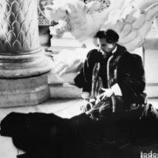 Cine: FOTOGRAFIA DE ESCENA DE LUGWIC CON HELMUT BERGER ORIGINAL. LEER CONDICIONES ANTES DE PUJAR.. Lote 276253498