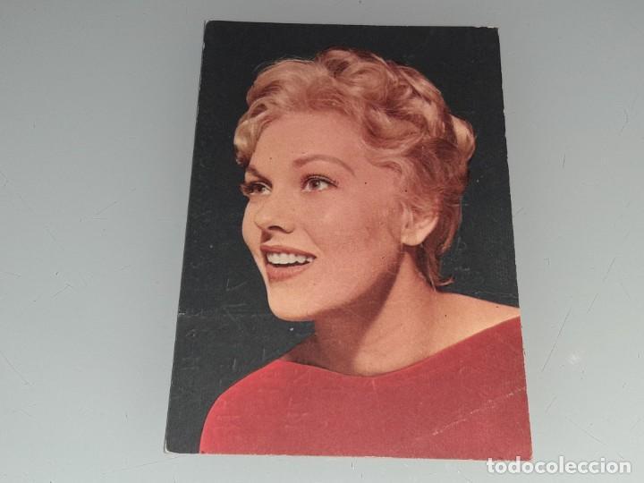 ANTIGUA POSTAL Nº 17 DE LA ACTRIZ KIM NOVAK EDICIONES TARJEFHER - FHER - AÑOS 60 (Cine - Fotos y Postales de Actores y Actrices)