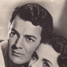 Cine: POSTAL FOTOGRAFICA DE LOS ACTORES DE CINE : CORNEL WILDE Y JEANNE CRAIN. ESCRITA EN 1950. Lote 289346013