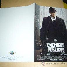 Cine: ENEMIGOS PUBLICOS JOHNNY DEPP GUIA ORIGINAL . Lote 32406534