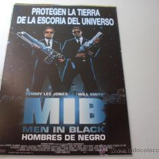 Cine: MEN IN BLACK HOMBRES DE NEGRO - TOMMY LEE JONES, WILL SMITH, LINDA FIORENTINO - GUIA ORIGINAL 1997. Lote 169279922