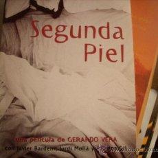 Cine: SEGUNDA PIEL: DOSIER DE PRENSA. TAPA DURA Y LIBRETO. Lote 30991440