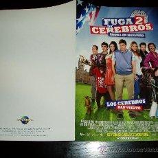 Cine: FUGA DE CEREBROS 2. GUIA PUBLICITARIA DOBLE ORIGINAL DE LA PELICULA. . Lote 34032175