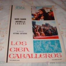 Cine: GUÍA DE LA PELÍCULA LOS CIEN CABALLEROS. Lote 39805872