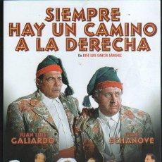Cine: GUIA PUBLICITARIA DE CINE DE LA PELICULA SIEMPRE HAY UN CAMINO A LA DERECHA. JUAN LUIS GALIARDO. Lote 40313244