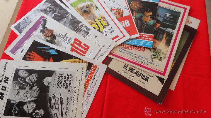 LOTE 15 GUÍAS VARIADAS,DIFERENTES TEMÁTICAS SUSPENSE, TERROR, ACCIÓN, PRINCIPALMENTE AÑOS 70. LGUI15 (Cine - Guías Publicitarias de Películas )