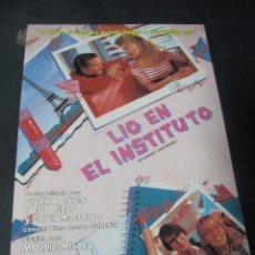 Cine: GUIA PUBLICITARIA PUBLICIDAD VIDEO CLUB VHS LIO EN EL INSTITUTO . Lote 97082123