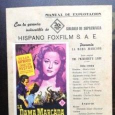Cine: LA DAMA MARCADA - GUIA PUBLICITARIA ORIGINAL FOXFILM - CHARLTON HESTON SUSAN HAYWARD HENRY LEVIN. Lote 97989887