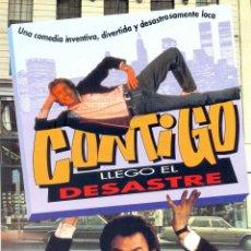 Cine: CONTIGO LLEGO EL DESASTRE. GUIA ORIGINAL ESTRENO.. Lote 106913759