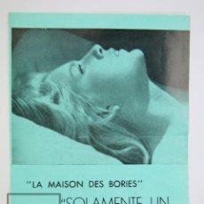 Cine: GUÍA PUBLICITARIA ARCADIA - SOLAMENTE UN VERANO / LA MAISON DES BOIRES - VO FILMS, AÑOS 70. Lote 126453419