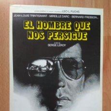 Cine: J----GUIA DE LA PELICULA-- EL HOMBRE QUE NOS PERSIGUE. Lote 161263474