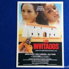 Cine: GUÍA PUBLICITARIA: PELÍCULA LOS INVITADOS. CON: LOLA FLORES, AMPARO MUÑOZ. Lote 163061278