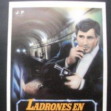 Cine: GUÍA PUBLICITARIA DE LA PELÍCULA LADRONES EN LA NOCHE, DOBLE. Lote 170325320