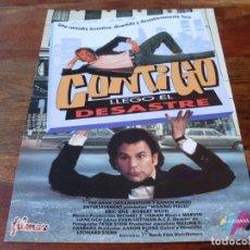 Cine: CONTIGO LLEGO EL DESASTRE - ERIC IDLE, ROBERT WUHL, LAUREN HUTTON - GUIA ORIGINAL FILMAX AÑO 1992. Lote 174183365