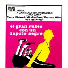 Cine: EL GRAN RUBIO CON UN ZAPATO NEGRO GUÍA ORIGINAL DOBLE CON FOTOS DE SU ESTRENO EN ESPAÑA . Lote 190607522
