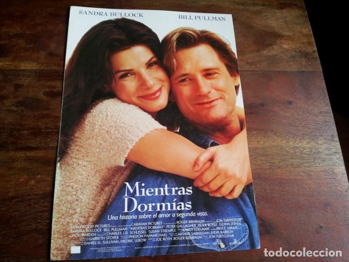 MIENTRAS DORMIAS - SANDRA BULLOCK, BILL PULLMAN, PETER GALLAGHER - GUIA ORIGINAL LAUREN AÑO 1995 (Cine - Guías Publicitarias de Películas )