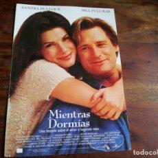 Cine: MIENTRAS DORMIAS - SANDRA BULLOCK, BILL PULLMAN, PETER GALLAGHER - GUIA ORIGINAL LAUREN AÑO 1995. Lote 194237135