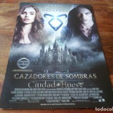 Cine: CAZADORES DE SOMBRAS CIUDAD DE HUESOS - LILI COLLINS, LENA HEADEY - GUIA ORIGINAL EONE AÑO 2013. Lote 210960925