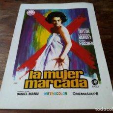 Cine: LA MUJER MARCADA - ELIZABETH TAYLOR, LAURENCE HARVEY - GUIA ORIGINAL IZARO AÑO 1972 JANO. Lote 219731231