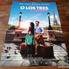 Cine: O LOS TRES O NINGUNO - KHEIRON, LEÏLA BEKHTI, GÉRARD DARMON - GUIA ORIGINAL CARAMEL 2015. Lote 221935573