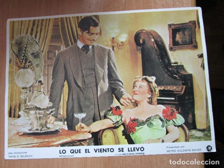 Cine: 12 CARTELERAS DE LA PELICULA DE TODOS LOS TIEMPOS LO QUE EL VIENTO SE LLEVO - Foto 10 - 234925875
