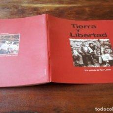 Cine: TIERRA Y LIBERTAD - IAN HART, ICÍAR BOLLAÍN, ROSANA PASTOR, KEN LOACH - GUIA ORIGINAL LUJO ALTA 1995. Lote 243900705