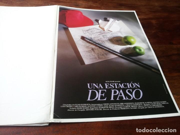 UNA ESTACIÓN DE PASO - OMERO ANTONUTTI, JOAQUIM DE ALMEIDA - GUIA ORIGINAL LUJO ALTA 1992 (Cine - Guías Publicitarias de Películas )