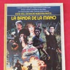 Cine: GUIA SIMPLE: LA BANDA DE LA MANO. STEPHEN LANG, MICHAEL CARMINE, LAUREN HOLLY. FILMAYER. AÑO 1986. Lote 263140500
