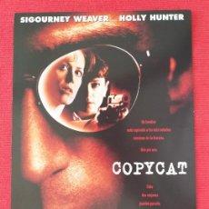 Cine: GUIA SIMPLE: COPYCAT. DE JON AMIEL. CON: SIGOURNEY WEAVER. AÑO 1995.. Lote 263159180