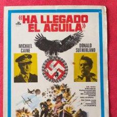 Cine: GUIA PUBLICITARIA DOBLE: HA LLEGADO EL AGUILA. CON MICHAEL CAINE, DONALD SUTHERLAN. Lote 266154743