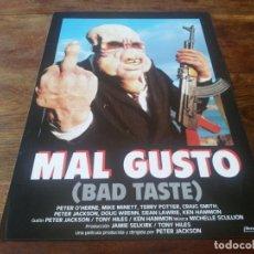 Cinéma: MAL GUSTO BAD TASTE - TERRY POTTER, CRAIG SMITH, PETER JACKSON - GUIA ORIGINAL IBEROAMERICANA 1987. Lote 266792684